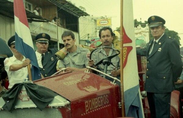 En sus rostros se ve el dolor por perder a los bomberos Jorge Garita Loaiza y Leonardo Calvo. Foto: Archivo GN