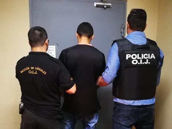 El sospechoso se entregó en los tribunales de Alajuela. Foto OIJ