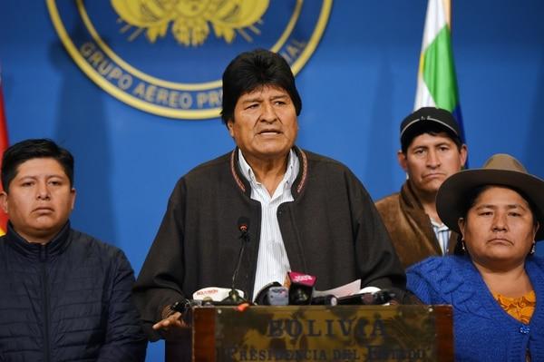 Morales ya no tenía el apoyo de las Fuerzas Armadas y la Policía. AFP