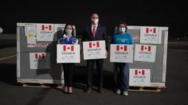 Llegaron 319.200 dosis contra el covid-19 donadas por Canadá