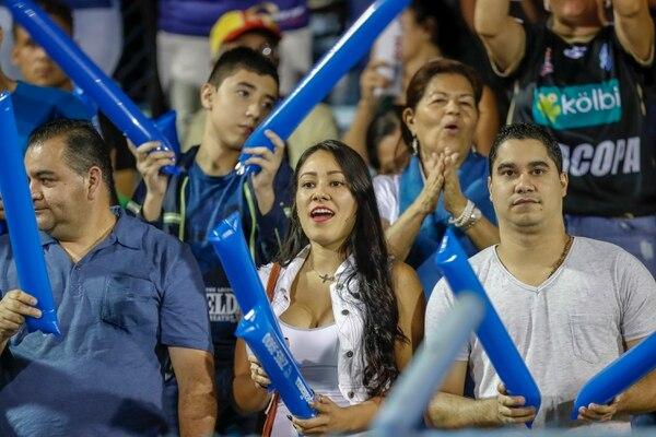 La afición de Pérez Zeledón comenzó a identificarse con el equipo conforme fue avanzado en las instancias finales. Fotografía José Cordero