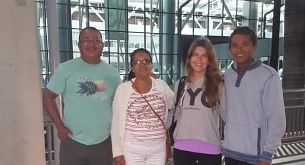 Los esposos José Asdrúbal López y Dunia Álvarez, desean volver a encontrarse con su nuera Sarah y su hijo Keyner. Foto: Cortesía la familia para LT