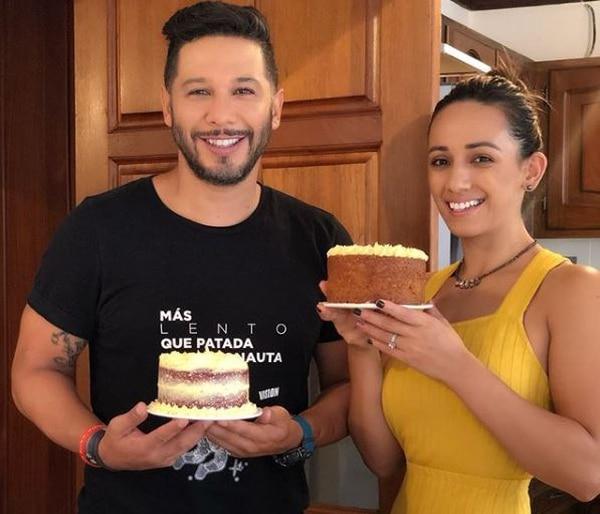 Alonso Solís y Debbie Soto parecían muy felices. Instagram.