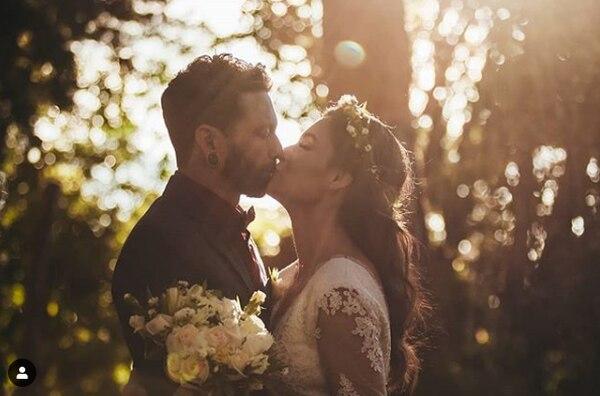 Románticas fotos compartió la pareja en sus redes sociales.