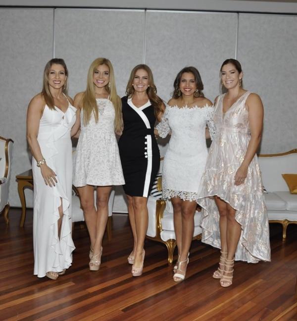 Helga Barrantes, Yessenia Oviedo, Marisol Soto, Meyryn Carrillo y Maureen Boza fueron las jurado del casting. Todas han ganado este concurso. Cortesía