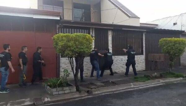 Dos allanamientos se llevaron a cabo en San Rafael de Alajuela. Foto: OIJ