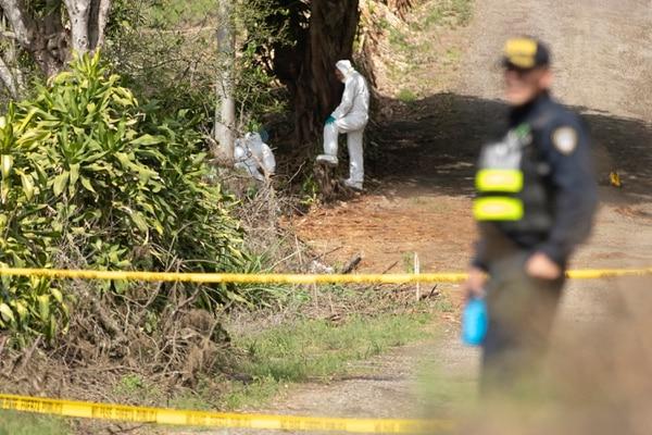 Los hombres fueron asesinados a balazos en un lugar solitario. Foto: José Cordero.