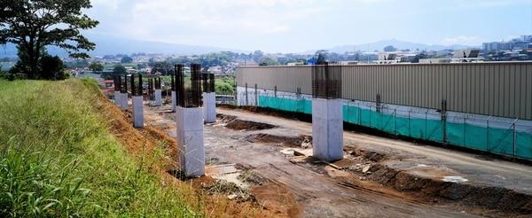 Por un mes los bretes en la Circunvalación Norte, provocará cierres parciales en la calle principal que entra a Tibás. Cortesía Mopt.