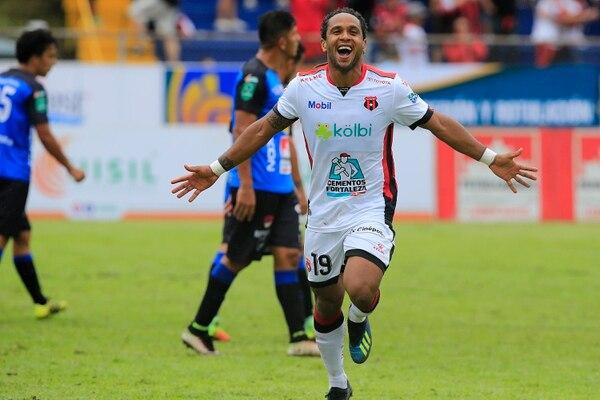 Jonathan McDonald espera pronto tener otro socio goleador en la Liga, luego de la salida de RoRo. Foto: Rafael Pacheco