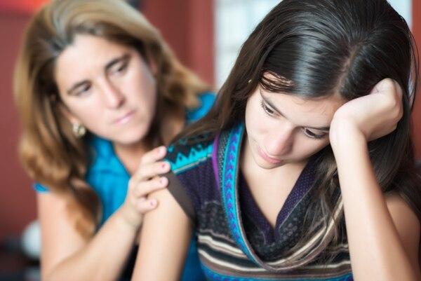 Las jóvenes adolescentes son las que más presentan cuadros de depresión. Archivo.