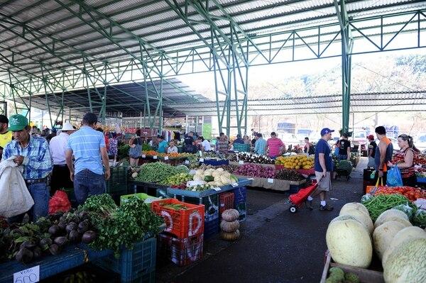 Los productores destacan en las ferias sus precios accesibles, la comodidad de sus instalaciones y la variedad de productos. Melissa Fernández.