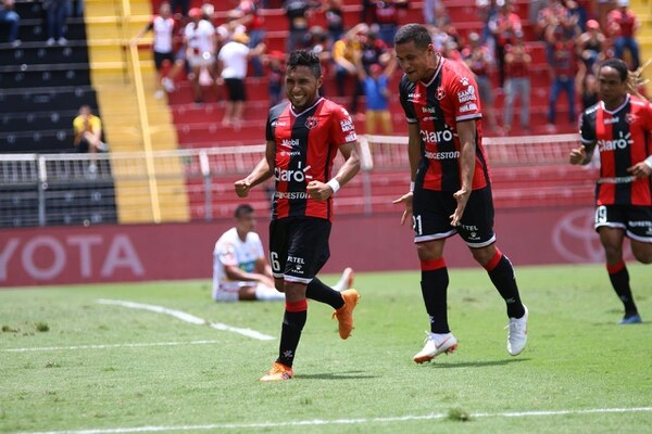 Róger Rojas ha sido ligado con varios clubes en estas semanas, Fotografía: Rubén Murillo / Alajuelense