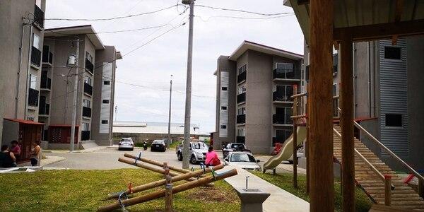 Los cuatro apartamentos están puras tejas, tiene áreas para los niños y se permiten mascotas pero castradas. Cortesía.
