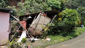 Jovencita sobrevivió a terraplén en Sarchí que destruyó su casa