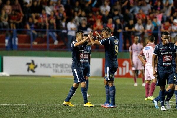 Paolo Jiménez y Marcel Hernández, dos esperanzas de la afición brumosa para sumar los tres puntos contra el Herediano. Foto Mayela López