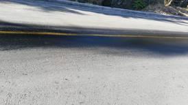 Reguero de aceite en Escazú amenaza seguridad de ciclistas y motociclistas