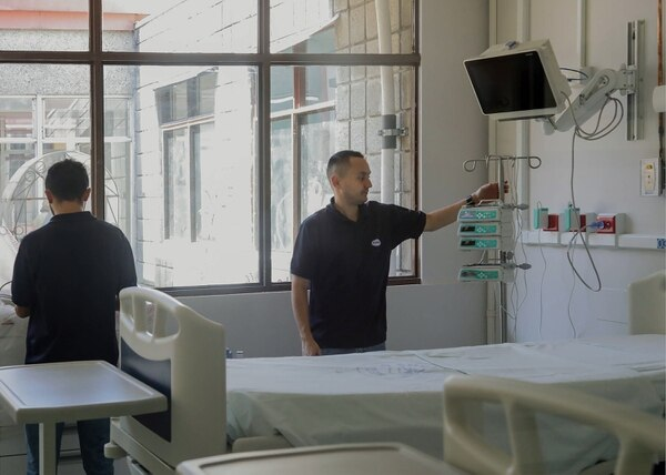 La idea es que llegue el momento en que solo el Calderón Guardia tenga internados pacientes con covid-19. Foto: Presidencia.