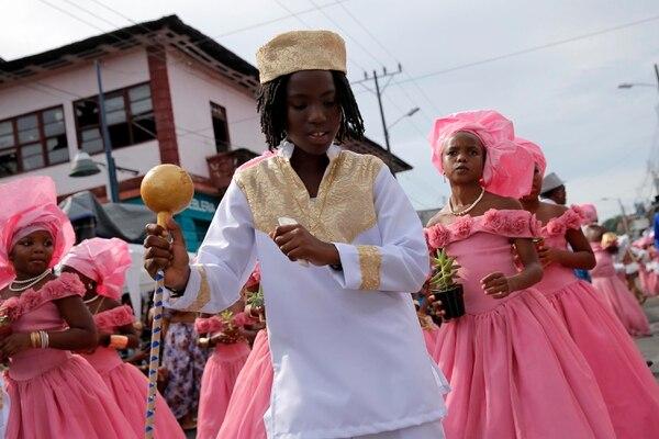 Cada 31 de agosto, con el Grand Parade, queda demostrado que lo mejor de Limón sí es su gente. Foto: Mayela López