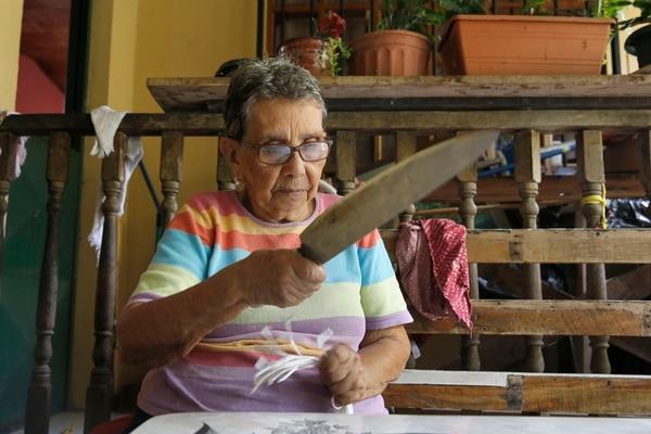 Doña Minerva cuenta que antes nada de chirotear, a diferencia de ahora: Foto: Albert Marín.