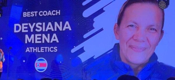 Dixiana Mena fue escogida la mejor entrenadora de América Latina.
