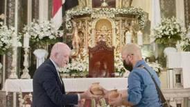 Aserriceño le entregó a la Negrita las peticiones de todo el país