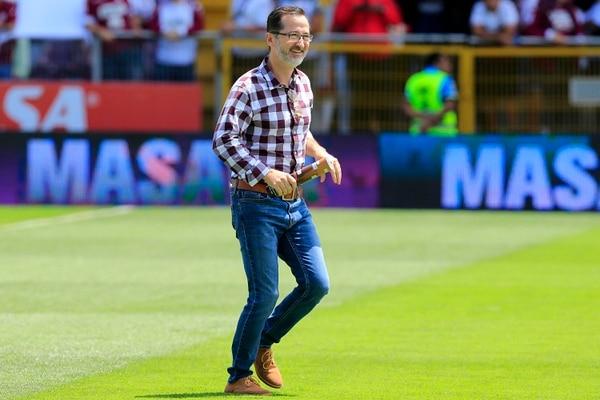 Rojas prometió una limpia y todo parece que el nuevo técnico estaría cruzando el Atlántico en estos días. Rafael Pacheco.