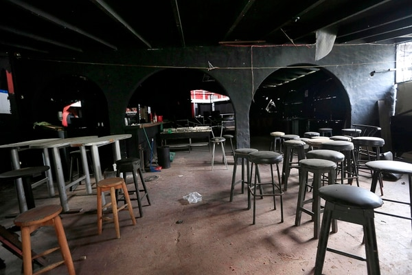 Muchos de los negocios que se encuentran en El Pueblo ya están cerrados. Rafael Pacheco.