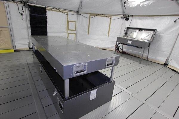 El centro de atención forense portátil tiene capacidad para realizar cuatro autopsias simultáneamente. Foto OIJ.