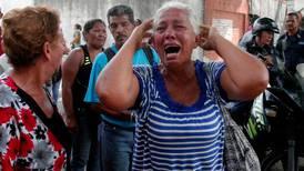 Incendio durante intento de fuga deja 68 muertos en celdas venezolanas