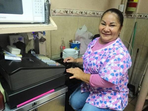 Blanca Alfaro es la que lidera el negocio. Trabaja en él desde los 9 años. Yenci Aguilar.