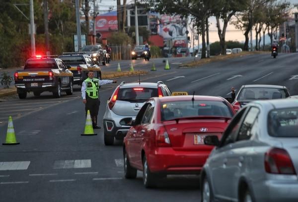 La empresa ofrece carros en alquiler para el día en que le toca restricción/ Foto: John Durán