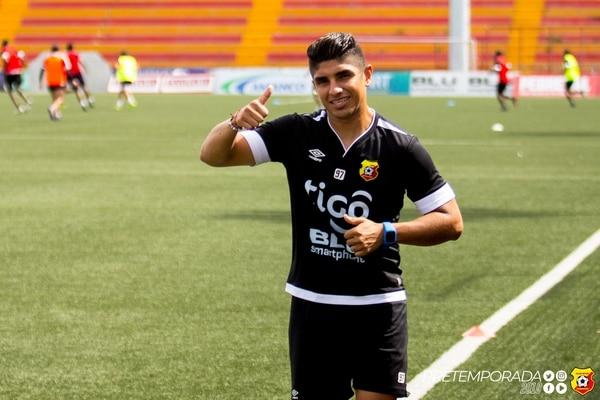 Juan Bustos Golobio es otro pampero que llegó esta campaña al Team. FOTO: Prensa Club Sport Herediano.