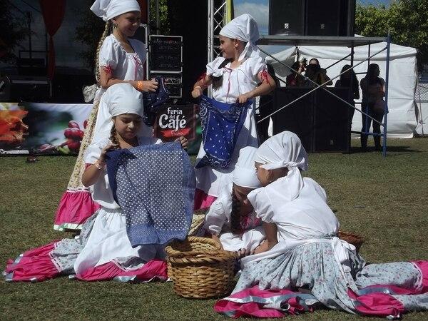 La tradición, el cariño de un pueblo, el sabor a cafecito, las artesanías y el arte en general se reúnen en Frailes, no falte. Cortesía.