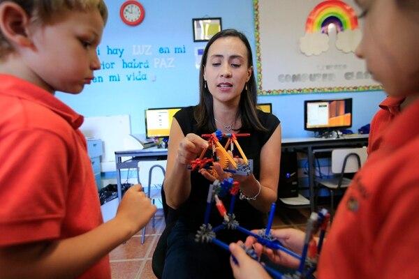 En centros educativos privados los niños son formados en temas como robótica. Foto: Rafael Pacheco.