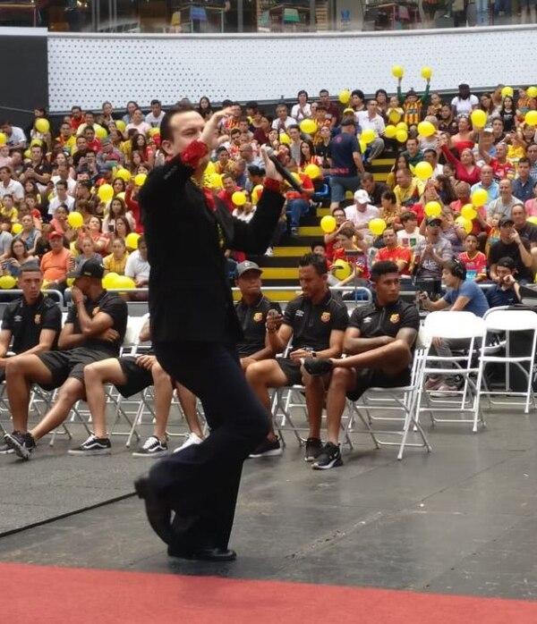 Elvis Tico amenizó el evento. Sergio Alvarado.