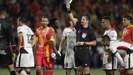 Shows de Henry Bejarano: el hombre no discrimina equipos
