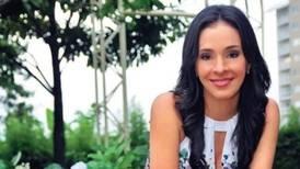 Periodista Carolina Sánchez está feliz, tiene dos veces 25 años