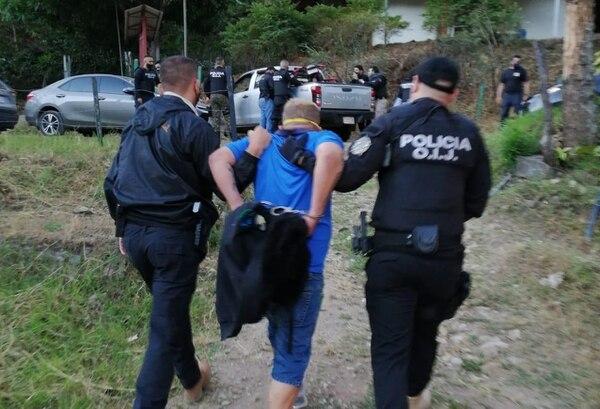 A Ceciliano se le decomisó una pistola que, en apariencia, uso en el asalto. Foto OIJ.