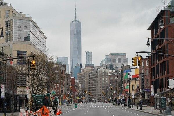 La capital del mundo está desolada por el COVID-19. (Photo by Bryan R. Smith / AFP)