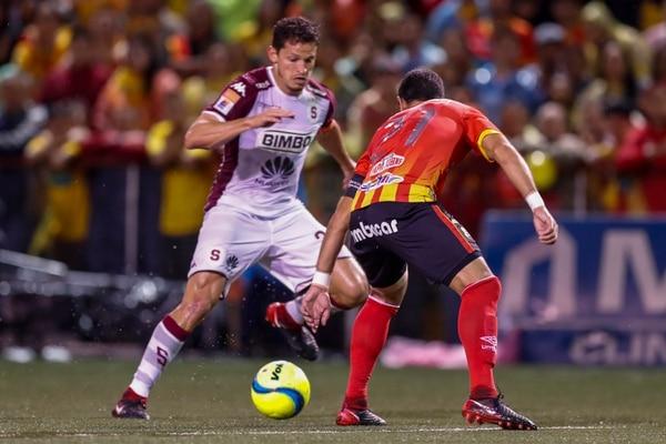Va a estar bueno el duelo entre Daniel Colindres y Pablo Salazar . Fotografía José Cordero