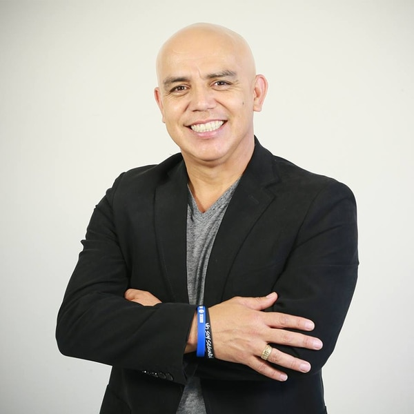 Pastor Henry Zúñiga, iglesia Maná Cartago