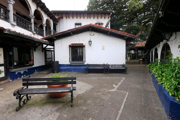 El lugar fue construido bajo un estilo colonial y se inauguró en 1977. Rafael Pacheco.