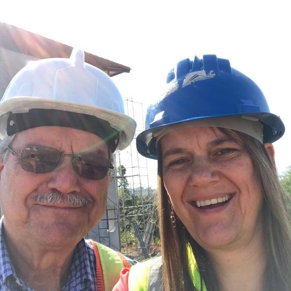 Don Juan Murillo junto con su hija Marta Murillo el día que fueron a ver el proyecto. Foto: Cortesía
