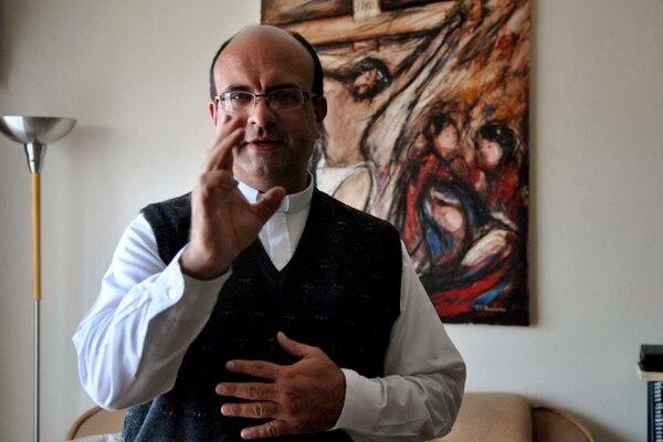 El padre Víquez huyó del país en enero pasado. Foto: Adriana Araya.