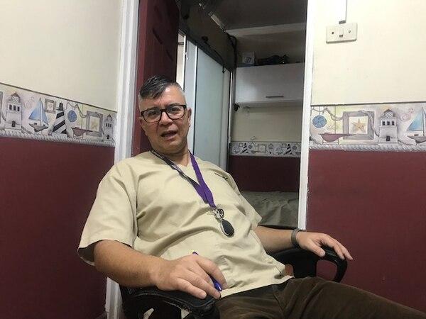 Mauricio Montenegro, regente en Farmacia Paso Ancho.