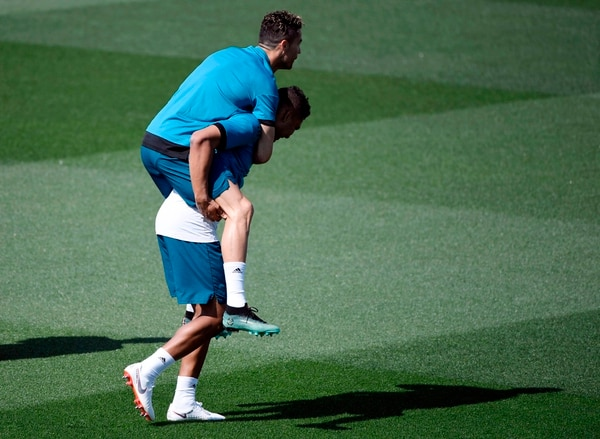 Cristiano Ronaldo y compañía se mostraron relajados. / AFP PHOTO / GABRIEL BOUYS