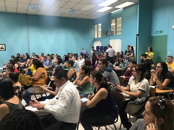 Muchas personas acudieron a la audiencia pública del Servicio Civil.