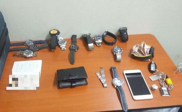 Esto fue parte de lo que les decomisaron a los sospechosos. Foto: MSP