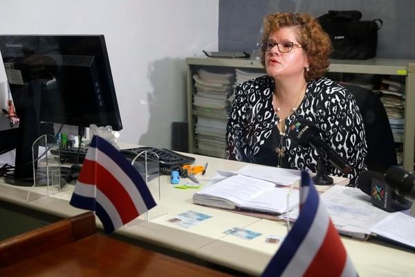 La jueza Mauren Solís expuso sus argumentos para llevar a cabo la unión civil. Fotos: Mayela López