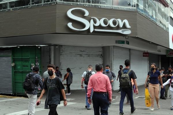 Locales que venden comida han preferido cerrar hasta el 9 de mayo. Foto Alonso Tenorio.